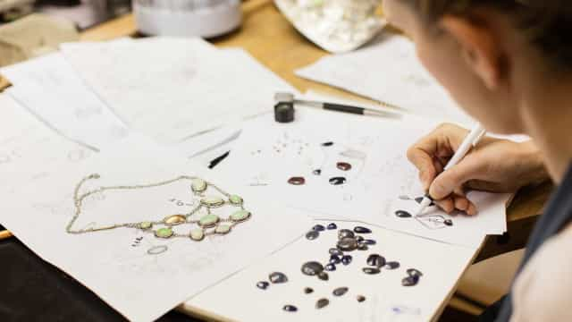 """Centena e meia de expositores põem joias a """"contar histórias"""""""