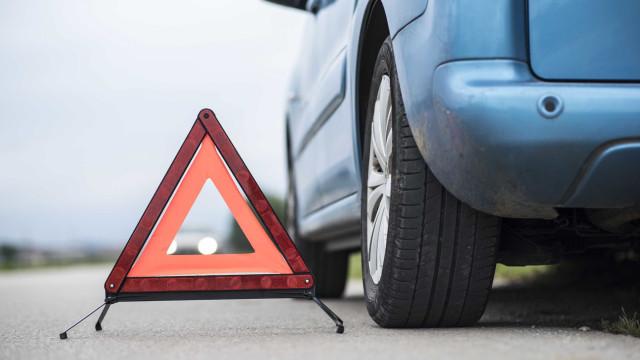 EN116 cortada ao trânsito em Freixial, Loures, após colisão