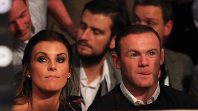 Rooney entre a espada e a parede: Ou larga vício ou casamento acaba