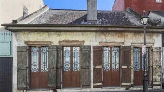 Veja a 'modesta' casa que Lenny Kravitz acaba de vender por 850 mil euros
