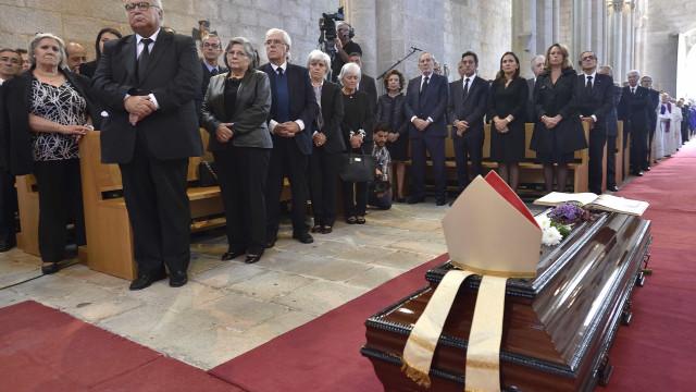Milhares marcaram presença no funeral do bispo emérito de Setúbal