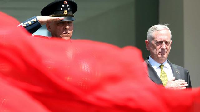 "EUA prometem ""resposta militar maciça"" face a eventual ataque nuclear"
