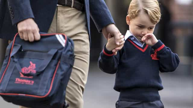 """Príncipe George exausto após três semanas na escola: """"Não quer ir mais"""""""