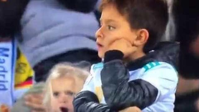 O vídeo que corre o mundo: Menina festeja golo de Ronaldo... à Ronaldo