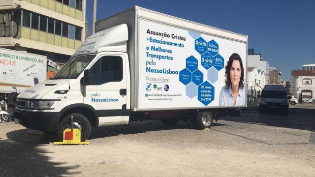EMEL bloqueia carrinha da campanha de Assunção Cristas