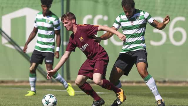 Sporting empata com Barcelona e mantém-se na Youth League