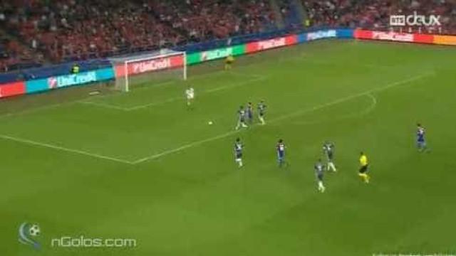 Lang marcou e tornou início de jogo um pesadelo para o Benfica