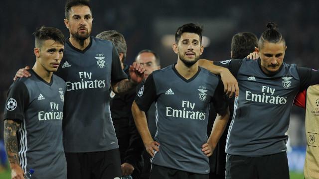 """Revista de imprensa: Basileia deixa Benfica à beira do """"K.O."""" europeu"""