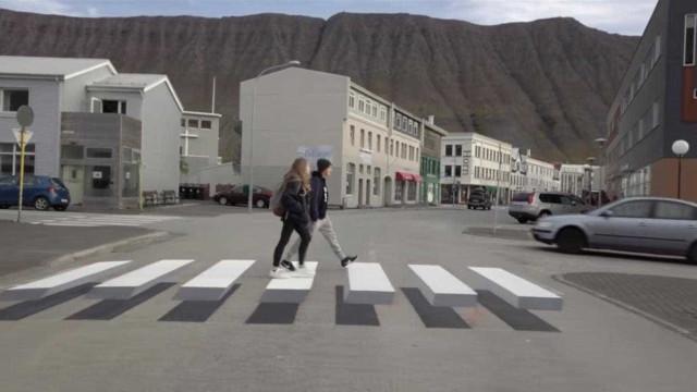 Islândia estreia passadeira inovadora que 'obriga' condutores a travar