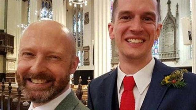 Igreja celebra casamento de casal homossexual e pode ter de pagar multa