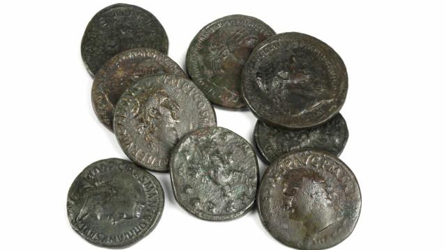 Pescador 'caça' tesouro no valor de 250 mil euros em moedas romanas