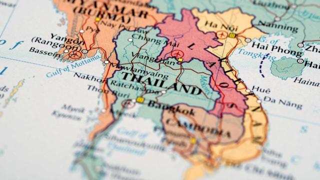 Dezenas de turistas desaparecidos depois de tempestade na Tailândia