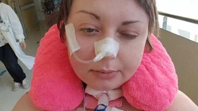 Com 24 anos, Natasha deparou-se com doença rara que lhe 'roubou' a vida