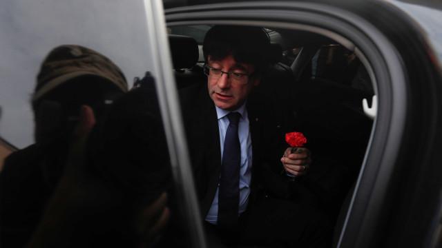 Madrid recorre ao TC para impugnar proposta de investidura de Puigdemont