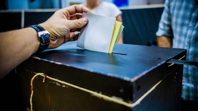 Diplomatas portugueses no estrangeiros querem votar nas autárquicas