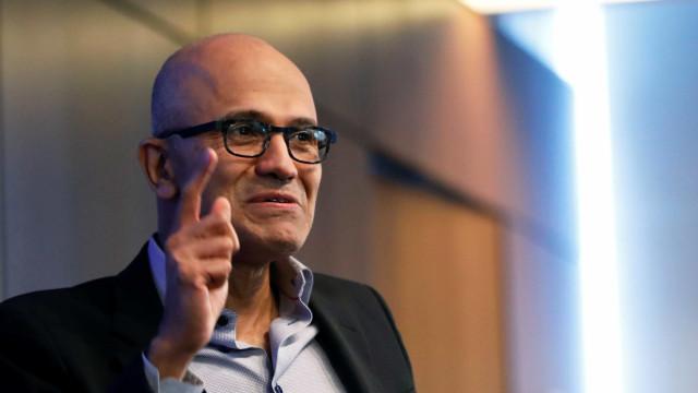 CEO da Microsoft foi contra aquisição da Nokia