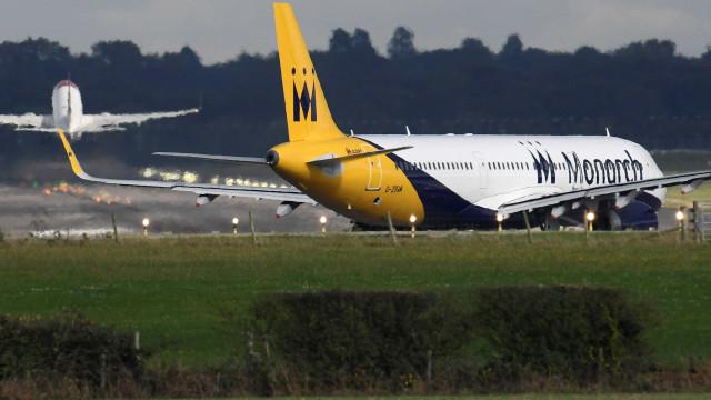 Monarch deixa de operar e cancela todos os voos, 110 mil pessoas em terra