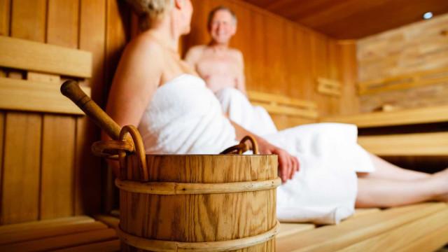 Ir à sauna com frequência poderá ajudar a reduzir a tensão arterial