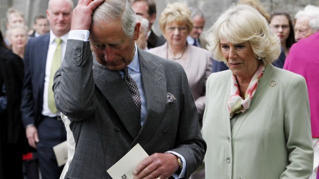 Camilla envolveu-se com Carlos para se vingar do ex-marido
