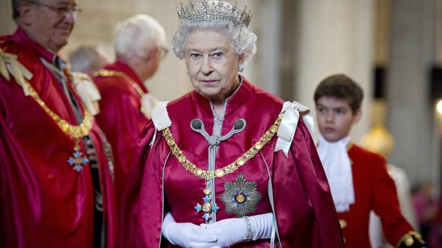 Offshores: Novas informações comprometem Isabel II e administração Trump
