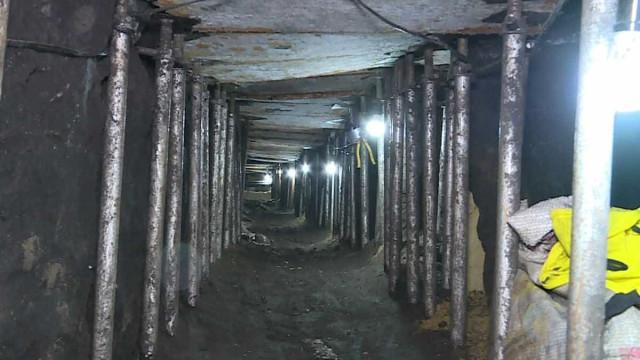 """Polícia descobre túnel que iria servir para o """"maior assalto do mundo"""""""