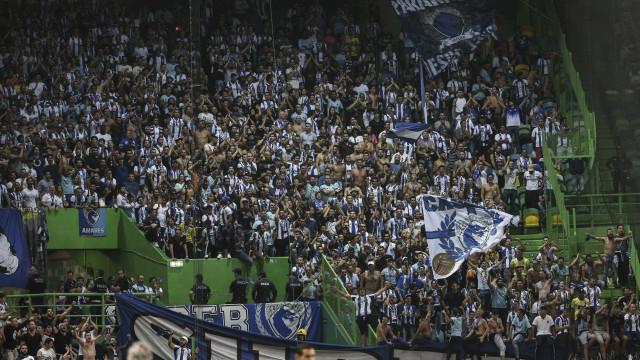 Desrespeito em minuto de silêncio dá multa a Benfica, FC Porto e Sporting
