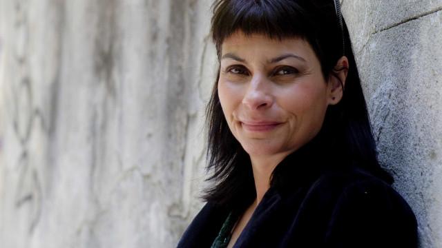 Viviane edita em novembro disco de homenagem a Edith Piaf