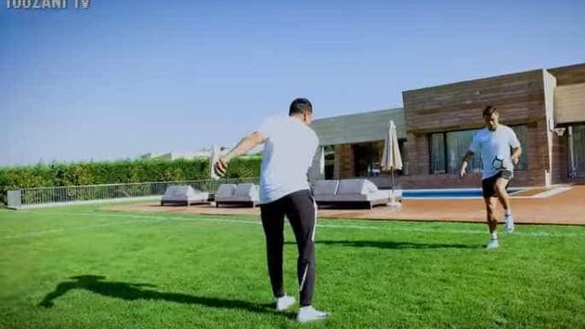 Touzani foi à mansão de Ronaldo e desafiou-o. Este foi o resultado