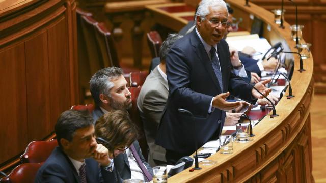 Cristas e Costa trocam acusações sobre lei do arrendamento