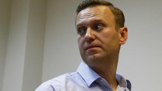 Opositor do Governo russo Alexei Navalny anuncia libertação da prisão