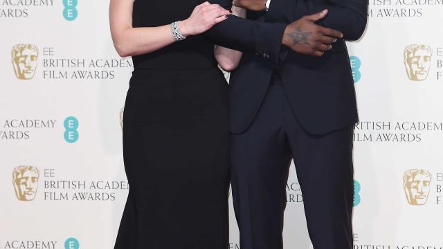 Kate Winslet fala sobre o fetiche de Idris Elba… por pés