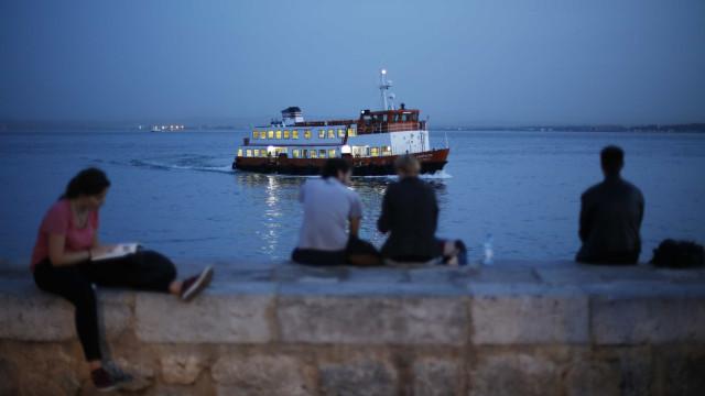 Greve na Soflusa condiciona circulação de barcos entre Barreiro e Lisboa