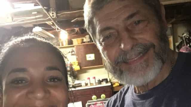 Decidiu enviar para Porto Rico artigos que andava a juntar há 45 anos