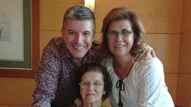 João Baião celebra aniversário junto da mãe e da irmã gémea