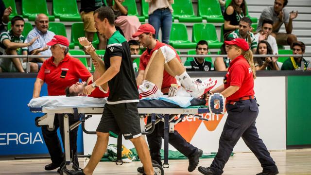 Benfica agradece ajuda do médico do Sporting após lesão grave de Ary Neto