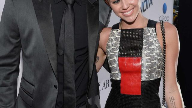 Miley Cyrus declara-se ao seu amor em dia especial