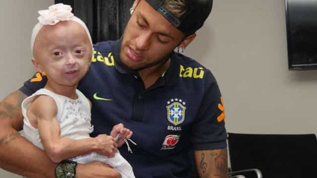 O encontro de Neymar com uma fã muito especial