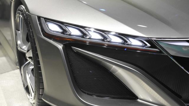 A razão de ser das luzes diurnas dos automóveis