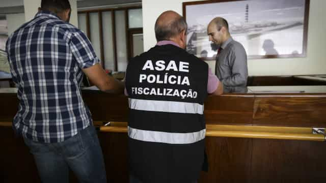 Queijos, carne, rissóis e pastéis de bacalhau apreendidos pela ASAE