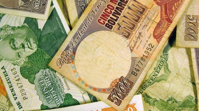 Venezuela lança nota de 100 mil bolívares para responder à inflação