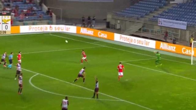'Chapelada' de Gabigol na estreia a titular pelo Benfica