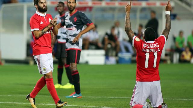 Benfica de serviços mínimos segue em frente na Taça