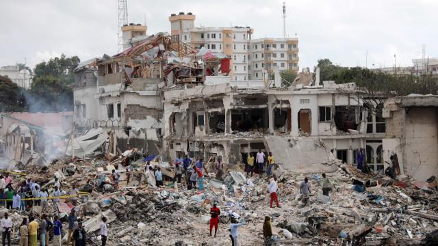"Somália vai declarar ""estado de guerra"" depois de atentado"