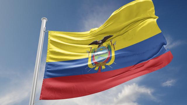 Onze mortos em acidente com dois autocarros no Equador