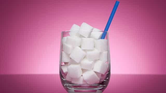 Seis mitos sobre o açúcar que deve esquecer já