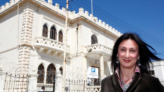 Três acusados por assassinato de jornalista que abalou Malta