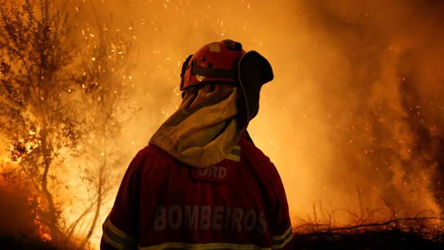 Após revivermos o impensável, chamas parecem dar tréguas. E agora, Costa?