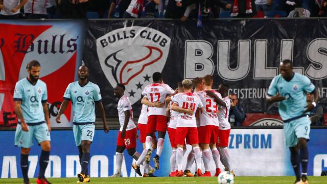 Primeira parte de loucos ditou desaire do FC Porto. Leipzig faz história