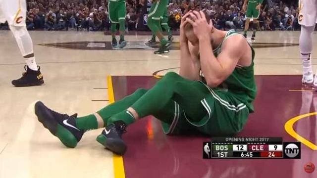 Arrepiante: Gordon Hayward fratura o tornozelo na estreia pelos Celtics