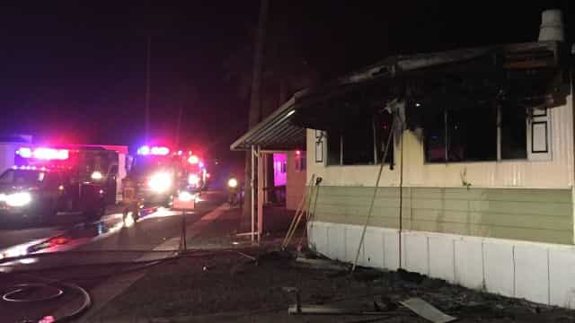 Homem incendeia casa ao tentar matar aranhas com um maçarico